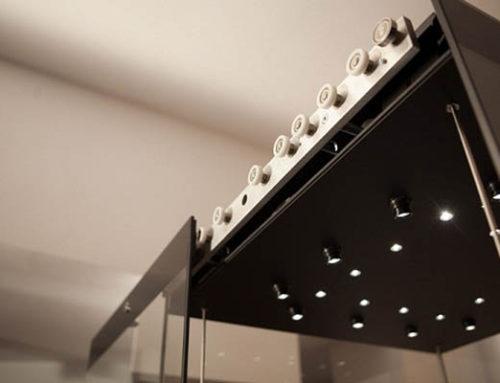 Linie de vitrine modulare pentru muzee cu sistem de montaj simplificat